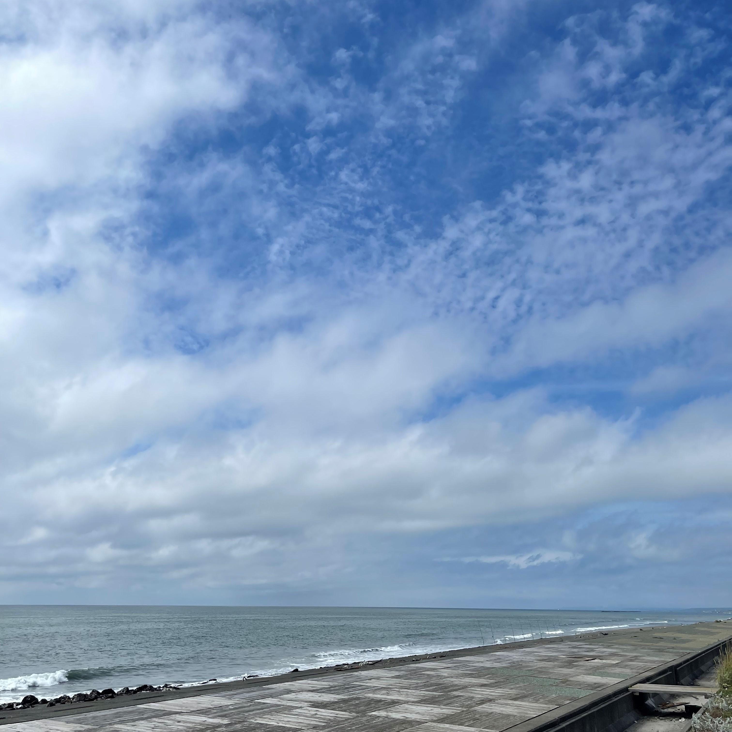 海岸_空.jpg